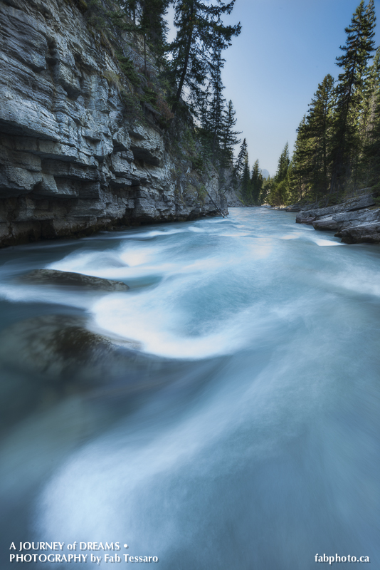 Maligne River,Jasper National Park, Alberta, photo