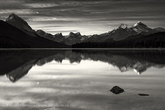 MALIGNE LAKE, Jasper National Park, Alberta, Canada, photo